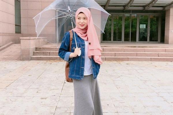 Baju Biru Muda Cocok Pakai Jilbab Warna Apa - Tips Mencocokan