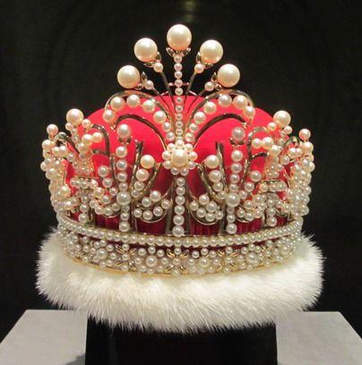 mikimoto-crown-asal-jepang-yang-memukau