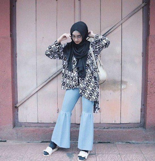 paduan baju blus batik dan celana cutbray