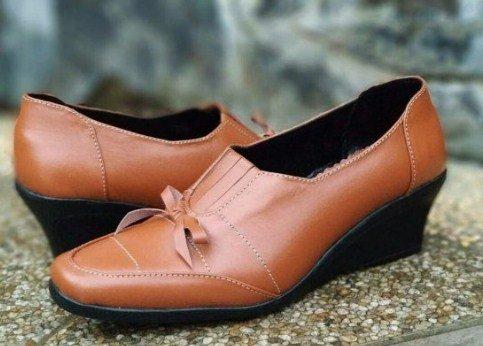 Model Sepatu Kulit Wanita