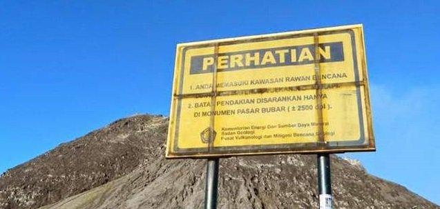 Plang peringatan pendakian - Phinemo