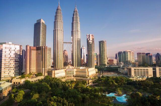 Saat Tiket Domestik Mahal Tiket Surabaya Ke Malaysia Harganya 372 Ribu Pp Liburan Ke Luar Negeri Deh