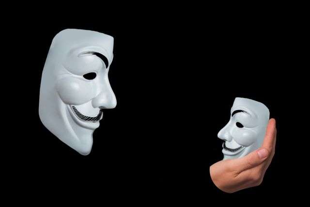 Pengetahuan Diri Topeng Anonim
