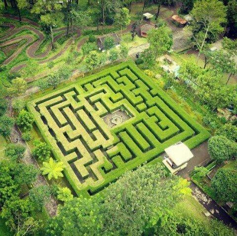 Taman Labirin Coban Rondo Malang
