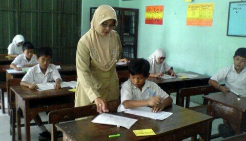 Guru hebat melahirkan murid hebat