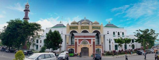Memandang Kemegahan Masjid Agung sebagai Harapan Indah Kota ini