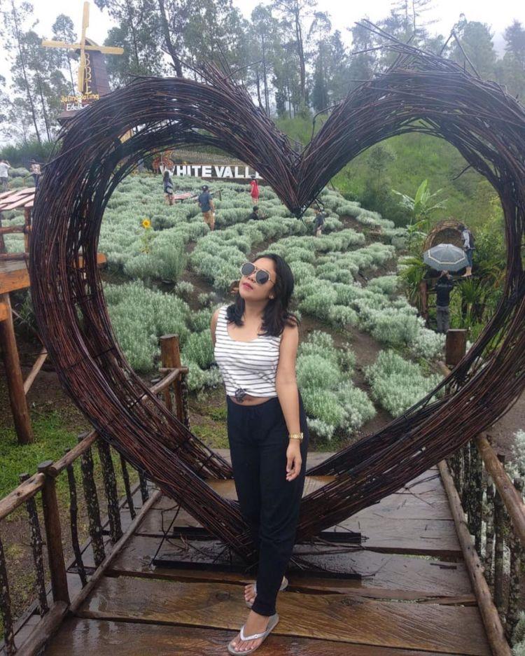 Taman Edelweiss Destinasi Wisata Hits Dan Instagramable Di