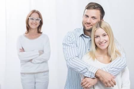 Mengutamakan suami baru mertua
