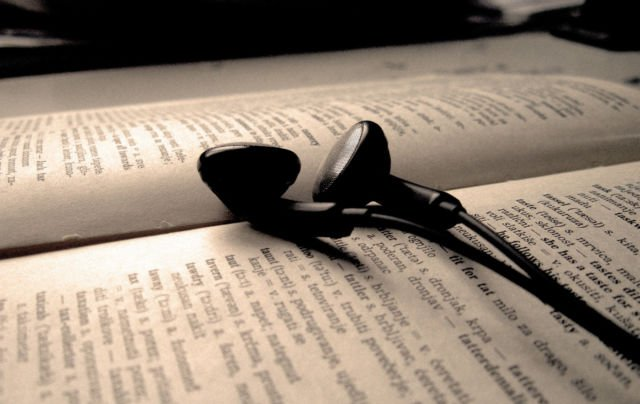 Listening Music While Reading