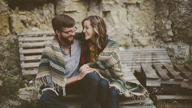 6 Momen Pacaran Pas Musim Hujan Ini Bakal Terus Dikenang Bahkan Sampai Hubungan Kalian Udah Tahunan