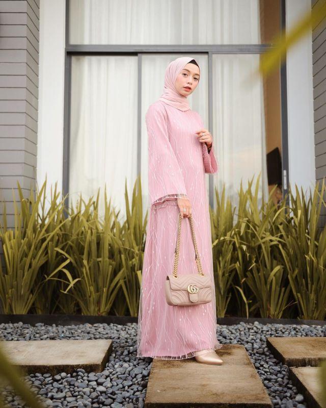 11 Padu Padan Gamis Hijab Yang Cantik Untuk Kondangan Kalau Pakai