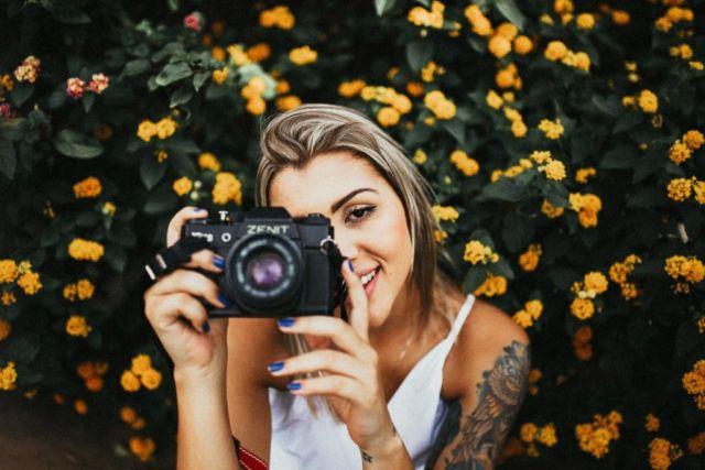 Kamera digital buat mengabadikan momen