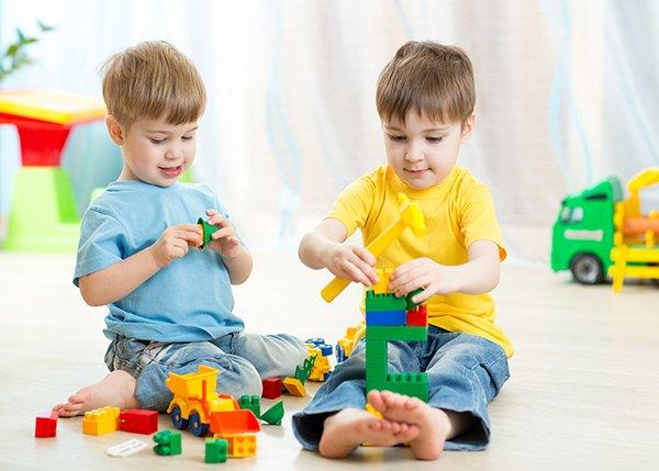 Mengenalkan kerjasama pada anak