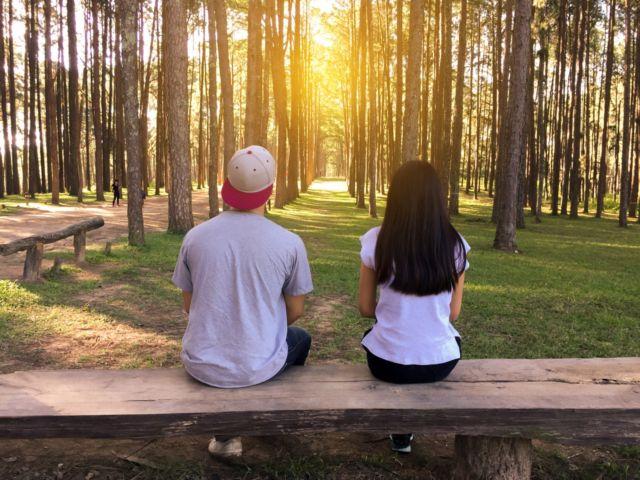 Menceritakan kebaikan pasangan