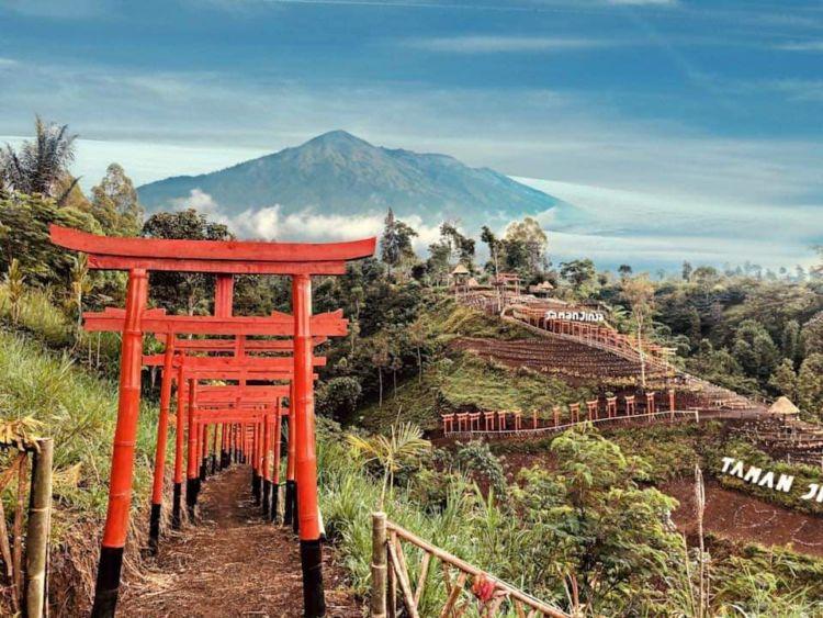Taman Jinja Wisata Bernuansa Jepang Di Bali Serasa Liburan