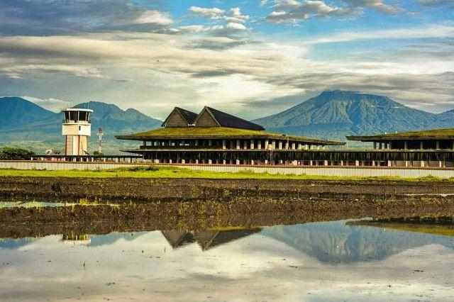 Bandar Udara Banyuwangi yang eksotis