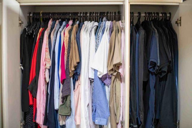 Dalam Melipat Baju Menyusun Baju Di Lemari Merupakan Langkah
