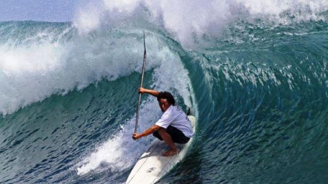 Ombak Surfing yang seperti hawaii