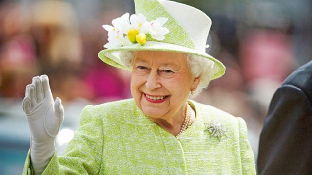 Ratu Elizabeth memilih