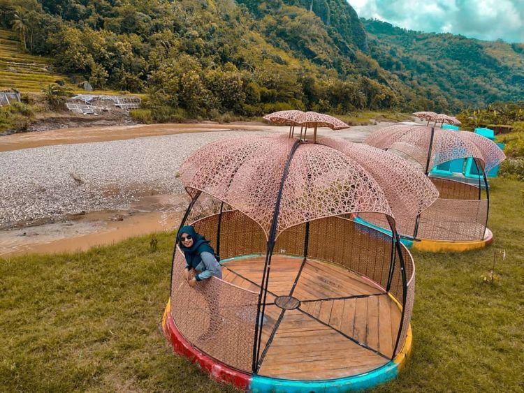 Gardu Pandang Lemah Rubuh Destinasi Hits Di Tepian Kali Oya