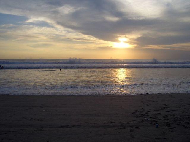 Pantai Kuta Sore by Pixabay