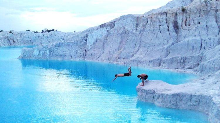 Hasil gambar untuk danau kaolin
