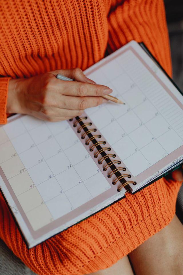 Menulis jadwal