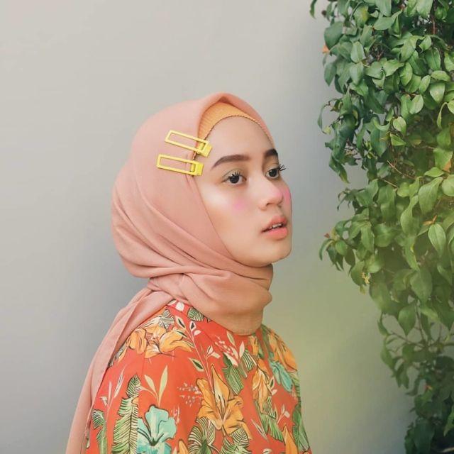 Style Hijab Dengan Jepit Rambut