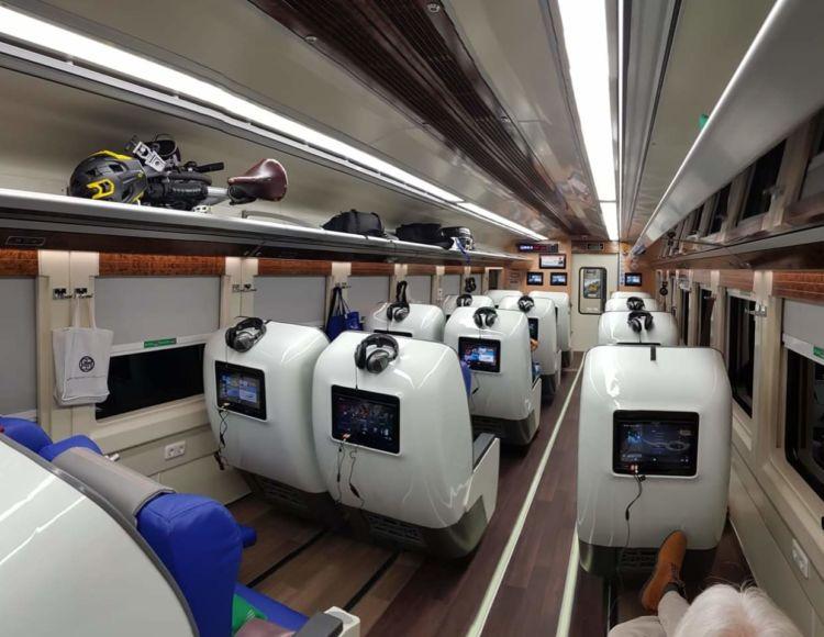Kereta Sleeper Luxury 2 Kereta Yang Diluncurkan Kai Untuk Mudik
