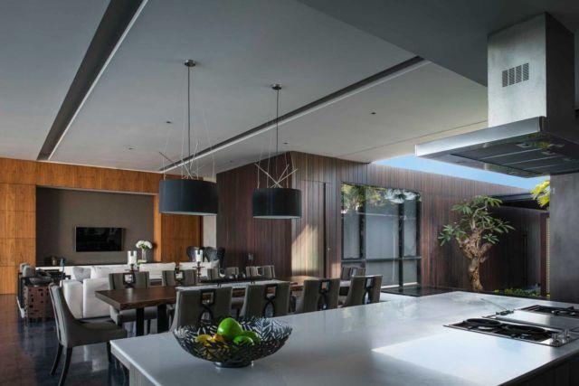 Dapur Semi Outdoor Villa WRK di Bali karya Parametr Indonesia