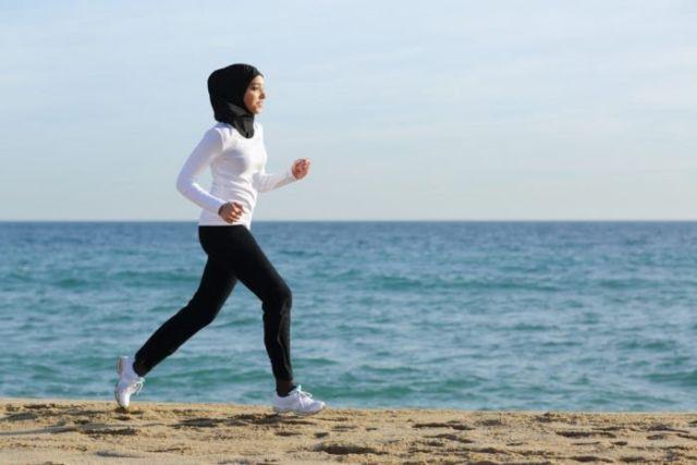 5 Tips Tetap Olahraga Saat Puasa Demi Tubuh yang Bugar