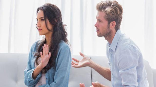 Saat bertengkar, jangan sampai terbawa emosi ya!