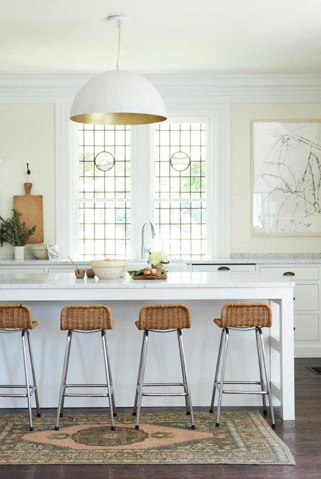 Kuning Pucat Berikan Kesan Segar dan Berani ke Dapur Kamu