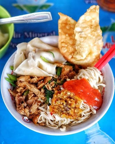 Tampilan Mie Ayam dari Mie Bandung Kridosono - Photo by Java Foodie