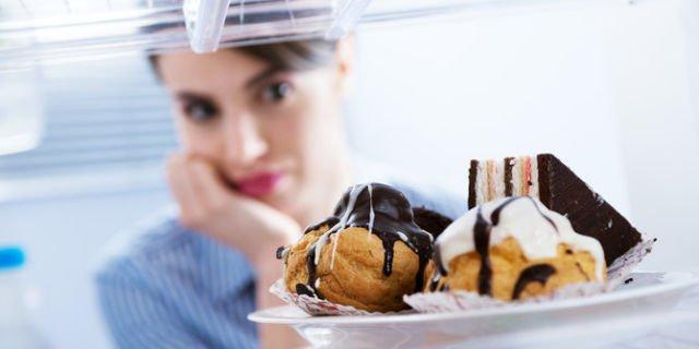 menolak makanan manis