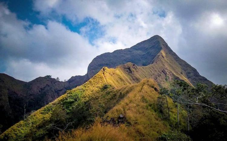 Potret Trek Pendakian Di Gunung Piramid Tempat Jatuhnya Thoriq Apakah Layak Gunung Ini Didaki