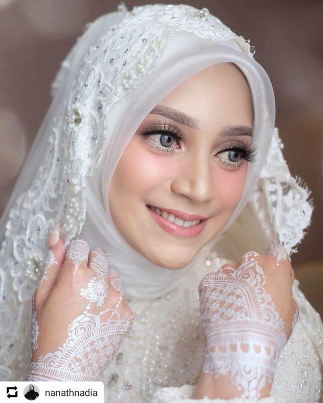 10 Ide Hijab Segi Empat No Ribet Dan Elegan Untuk Resepsi Pernikahan Cantiknya Nggak Neko Neko