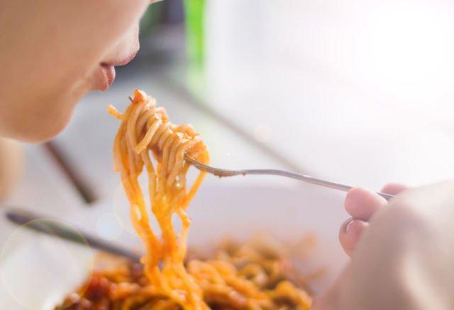 Ibu Cerdas Pantang Makan 8 Makanan Ini Selama Hamil Muda Jus Buah
