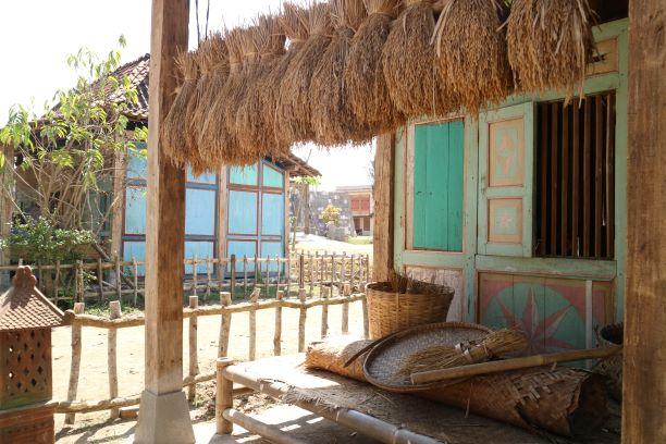 Replika desa dengan nuansa tradisional Jawa yang kental - Dok. Pribadi