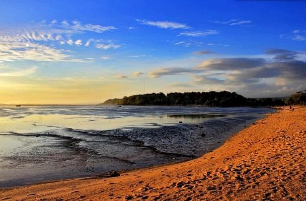 Pantai sayang heulang garut