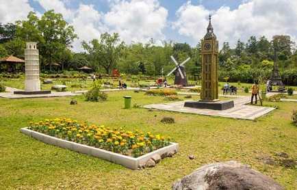 Wisata-The-World-Landmarks-Merapi-Park-Jogja-instagram-@arifin_wongso