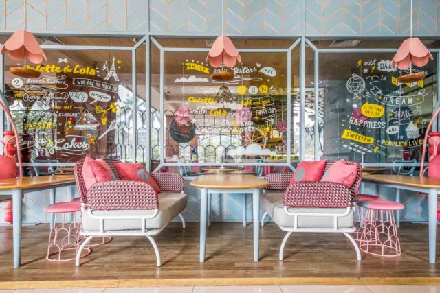 Desain Cafe Colette Lola Puri Indah di Jakarta karya AlvinT Studio