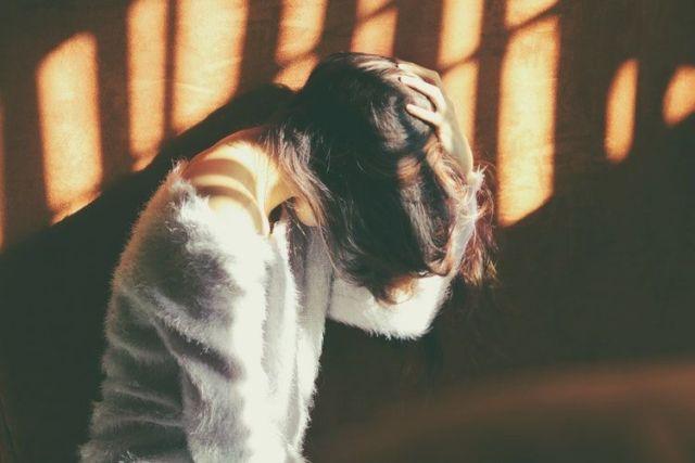 Sering Meremehkan Diri Sendiri, Kamu Akan Rasakan 5 Dampak Ini