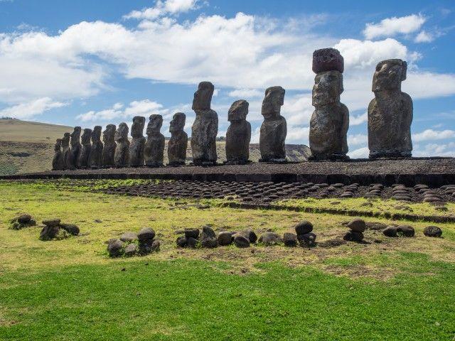 Taman Nasional Rapa Nui dengan Moai