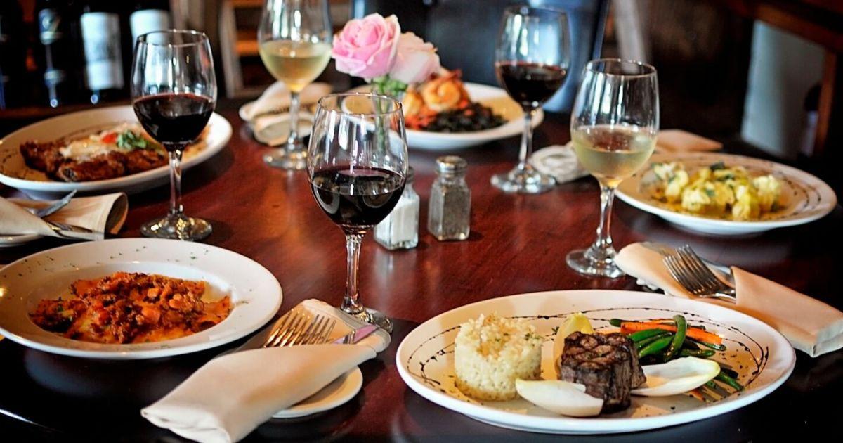 hipwee Sarasota casual fine dining restaurants 1200x630 - Ini Lho Strategi Membangun Bisnis Kuliner Baru agar Tidak Bangkrut