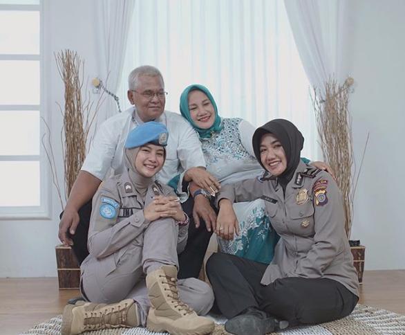 hipwee Screen Shot 2019 08 03 at 1.37.53 PM Viral, Briptu Imah Polwan Cantik Mirip Artis Indonesia Pevita Pearce