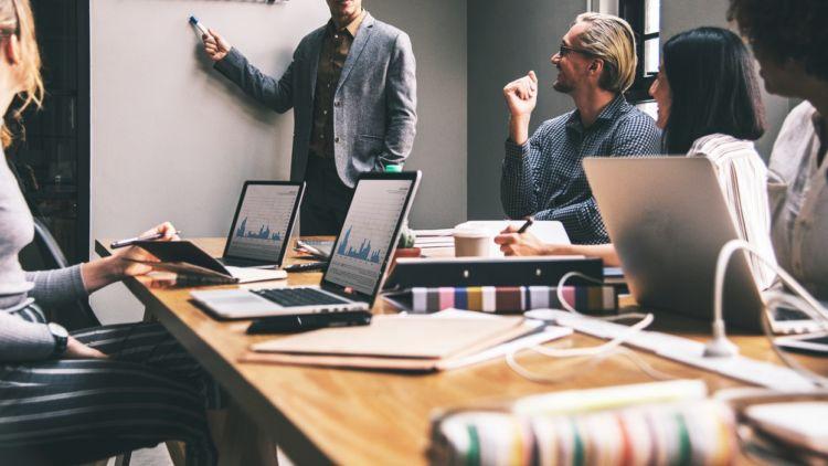 Nggak Perlu Khawatir Kalau Bisnis Kamu Menurun, Lakukan 5 Hal Ini untuk Evaluasi!