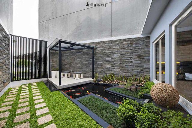 Desain gazebo taman minimalis The Springs di Tangerang karya Jettaliving