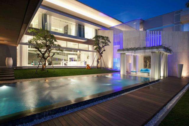 Desain gazebo taman minimalis Selat House di Surabaya karya Das Quadrat