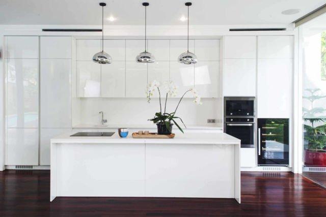 Meja dapur IS House di Jakarta karya MINT-DS